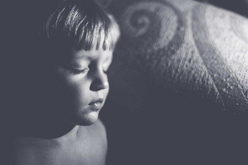 Imagen de Freelensing de un niño durmiendo