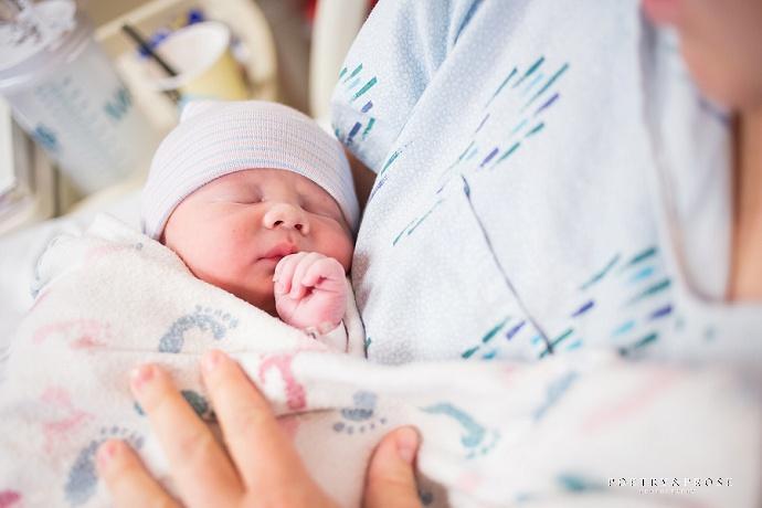 Fotografía de recién nacidos en el hospital