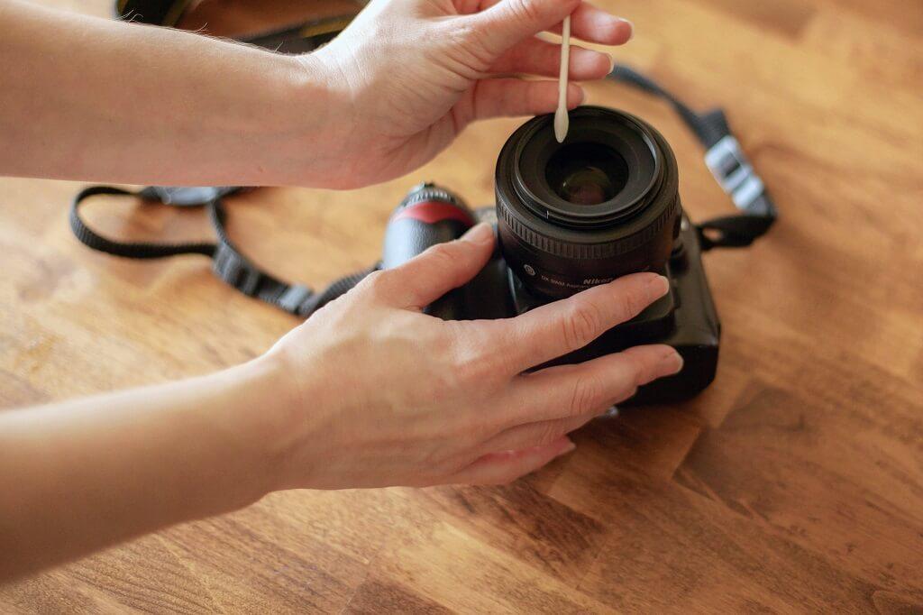 cómo limpiar la lente de tu cámara