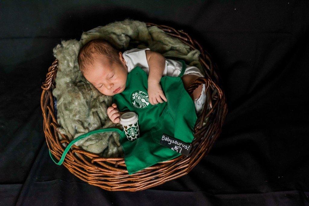 foto superior de 2019 - sesión de fotos de recién nacido