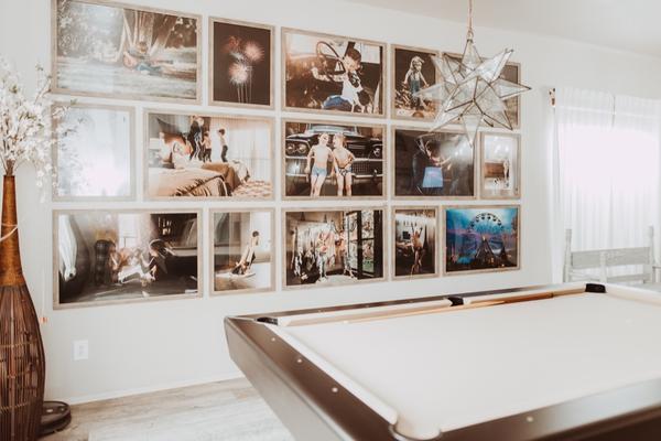 Cómo hacer una pared de galería de fotos en su hogar