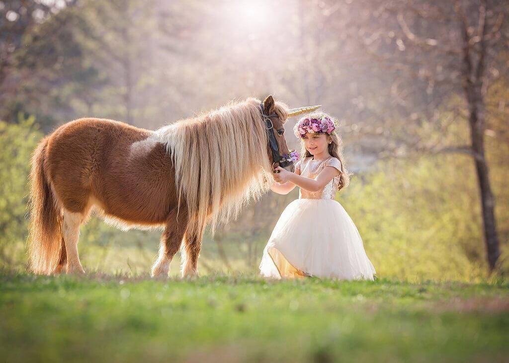 Fotografía de unicornio con niños