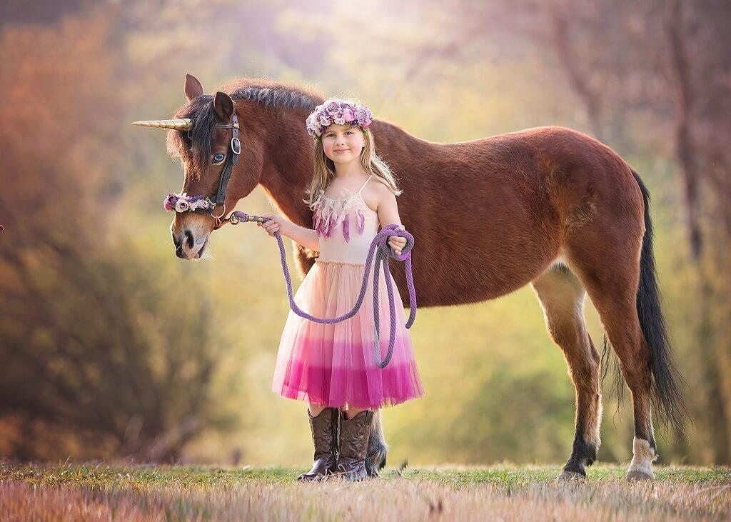 Imágenes de unicornio con niños