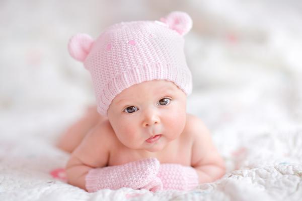 Primera sesión de fotos para recién nacidos, de un fotógrafo que principalmente fotografía una
