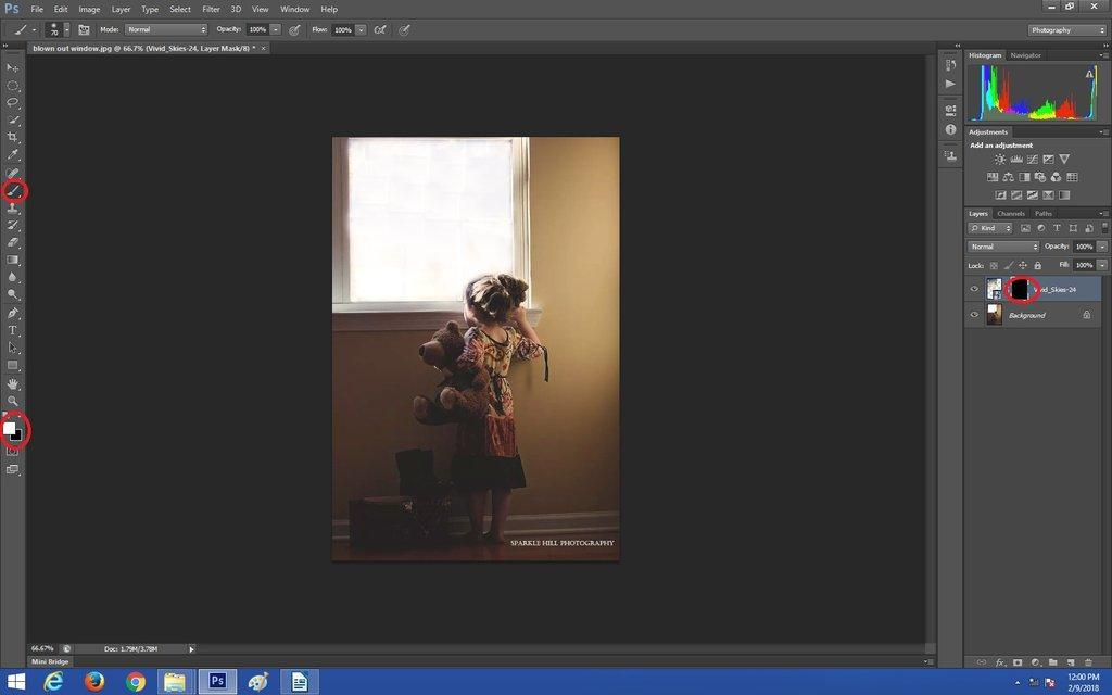 Pintar en la capa de superposición del cielo en Photoshop