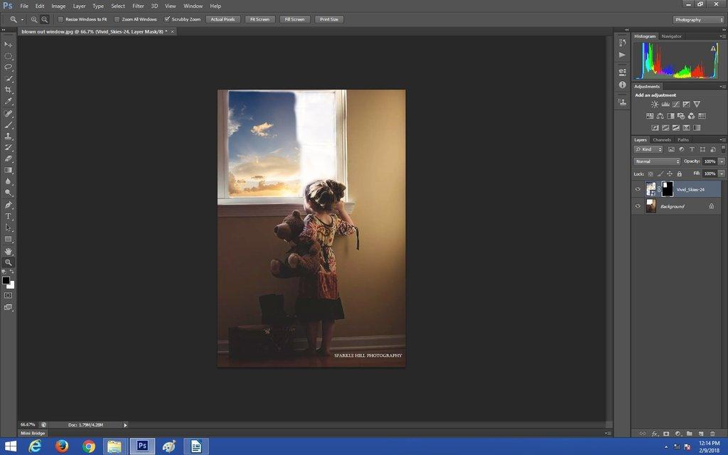 Parcialmente pintado en la capa de superposición del cielo en Photoshop