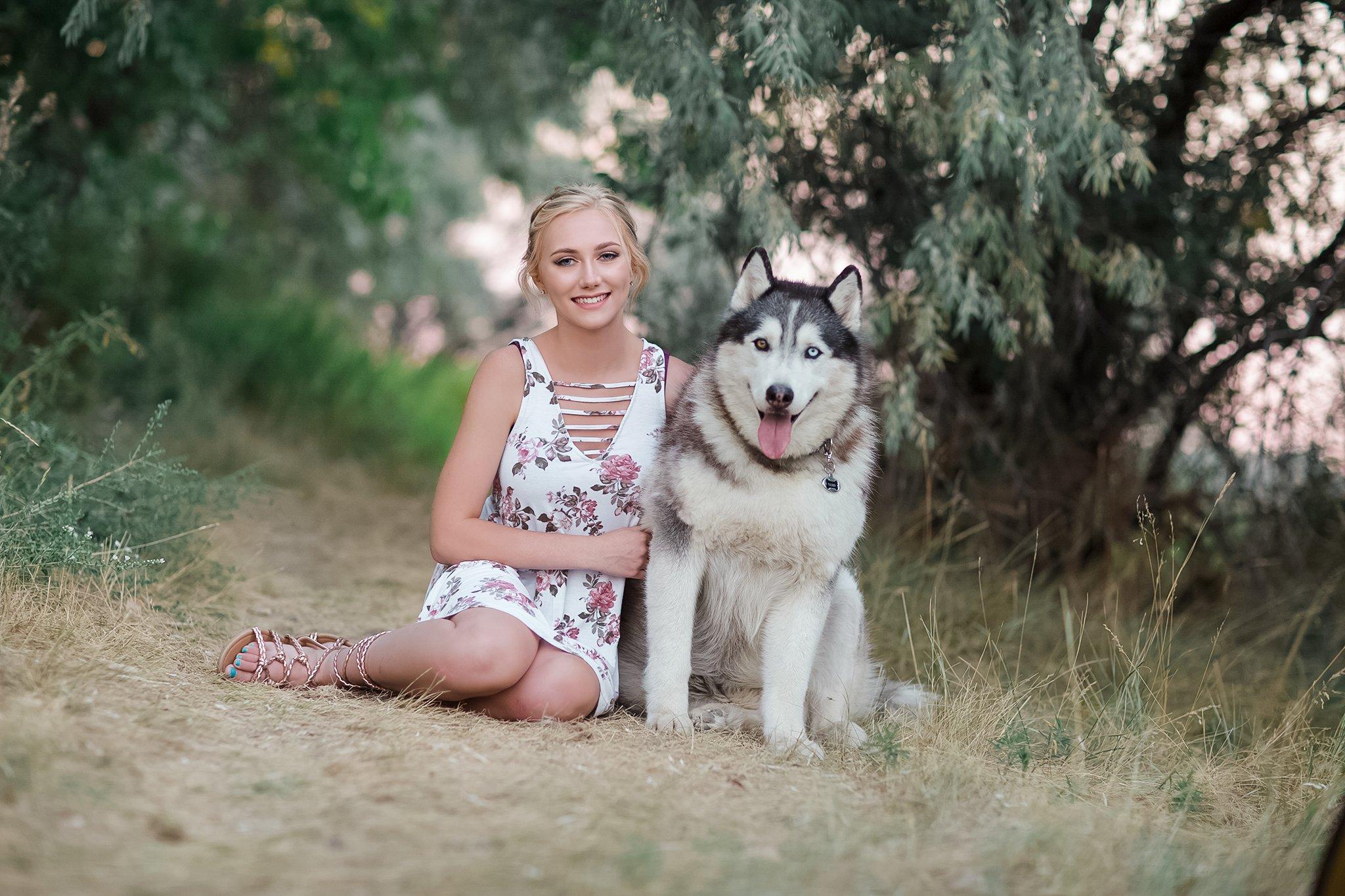 Pretty Presets Base de color pastel preestablecido agregado a la foto de una niña con vestido de flores sentada junto a un perro huskie