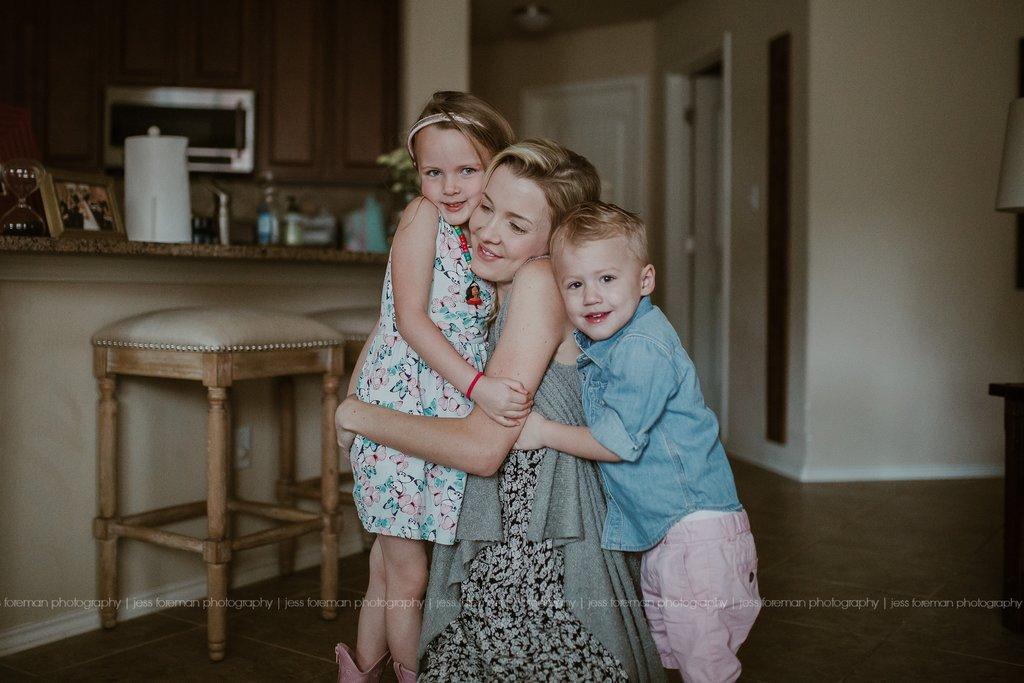 Poniendo a mamá en la foto con los niños