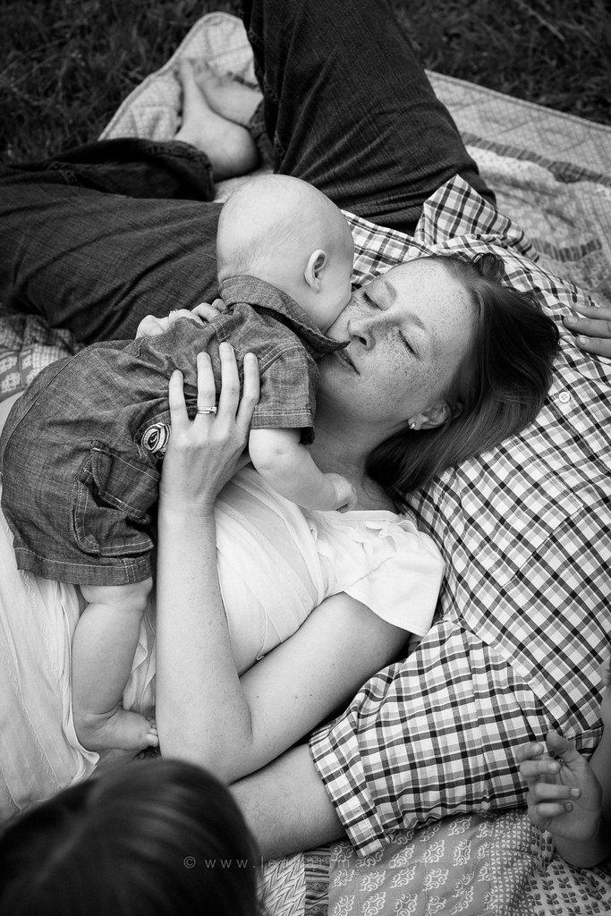 Ayudar a las mamás a salir en la foto y capturar la conexión